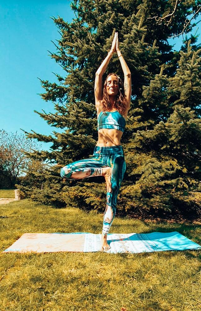 posture-de-l-arbre-yoga
