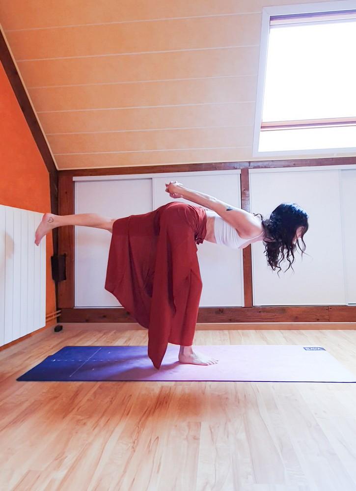 posture-du-guerrier-III-yoga-Virabhadrasana